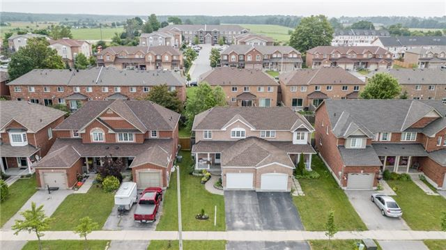 Semi-detached at 35 Epsom Rd, Barrie, Ontario. Image 15