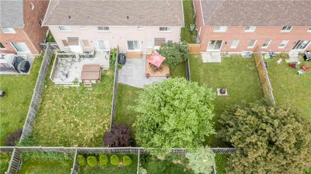 Semi-detached at 35 Epsom Rd, Barrie, Ontario. Image 16