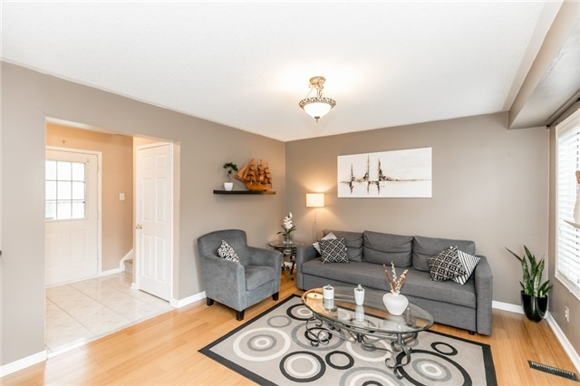 Semi-detached at 35 Epsom Rd, Barrie, Ontario. Image 17