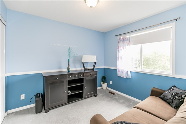 Semi-detached at 35 Epsom Rd, Barrie, Ontario. Image 7