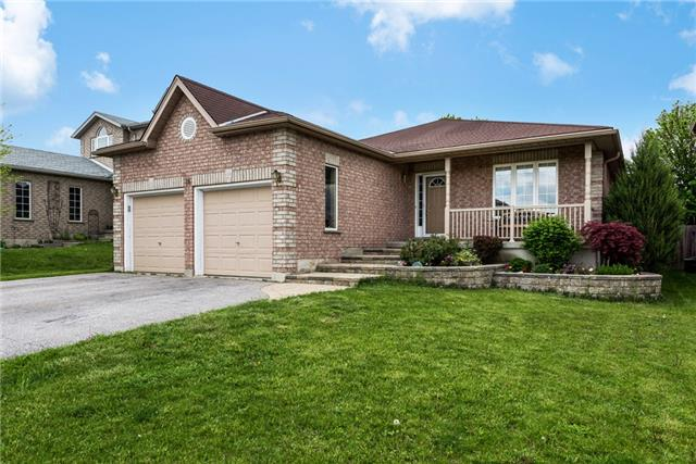 Detached at 16 Ruffet Dr, Barrie, Ontario. Image 1