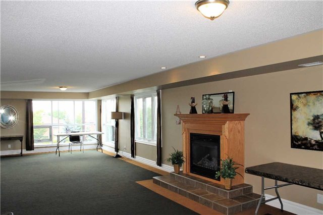 Condo Apartment at 500 Mapleview Dr W, Unit 305, Barrie, Ontario. Image 10