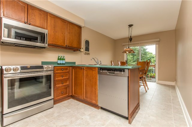 Detached at 21 Gore Dr, Barrie, Ontario. Image 17