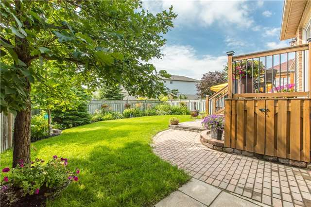 Detached at 21 Gore Dr, Barrie, Ontario. Image 10