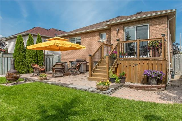 Detached at 21 Gore Dr, Barrie, Ontario. Image 13