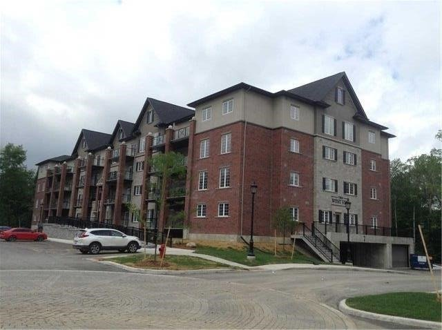 Condo Apartment at 7 Greenwich St, Unit 308, Barrie, Ontario. Image 1