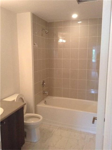 Condo Apartment at 7 Greenwich St, Unit 308, Barrie, Ontario. Image 17