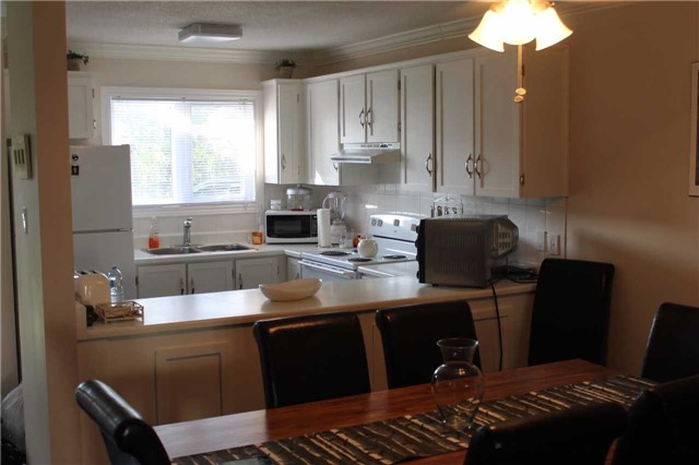 Condo Townhouse at 39 28th St S, Unit 1, Wasaga Beach, Ontario. Image 5