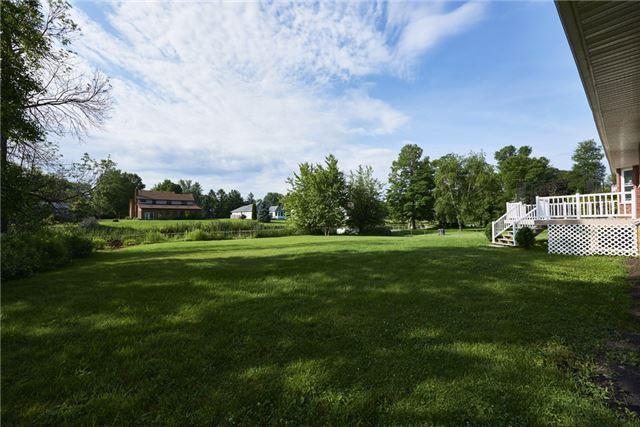 Detached at 215 Bayshore Drive Dr E, Ramara, Ontario. Image 7