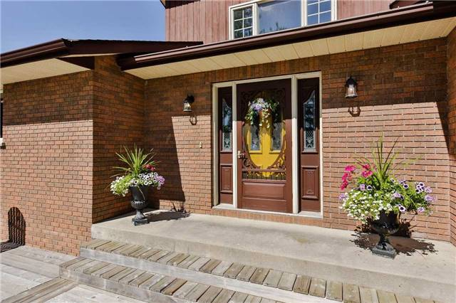 Detached at 745 5 Line S, Oro-Medonte, Ontario. Image 12
