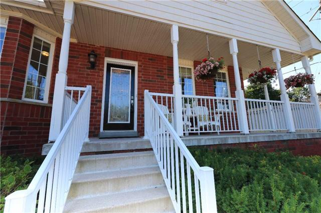 Detached at 2 Thrushwood Dr, Barrie, Ontario. Image 12