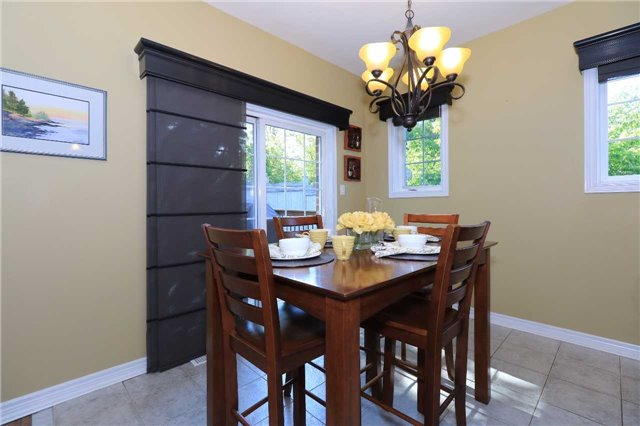 Detached at 2 Thrushwood Dr, Barrie, Ontario. Image 17