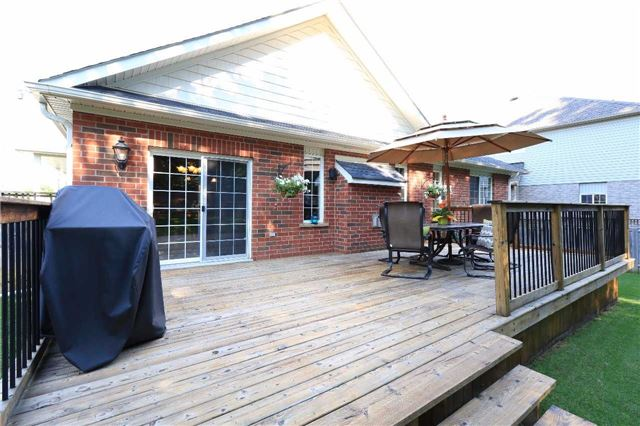 Detached at 2 Thrushwood Dr, Barrie, Ontario. Image 8