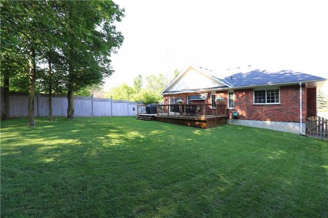 Detached at 2 Thrushwood Dr, Barrie, Ontario. Image 10