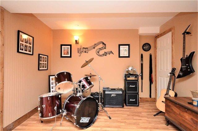 Link at 139 Julia Cres, Orillia, Ontario. Image 10