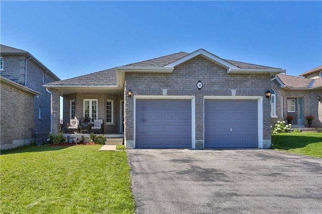Detached at 10 Mcintyre Dr, Barrie, Ontario. Image 1