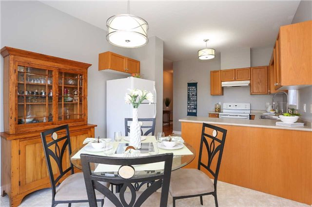 Detached at 10 Mcintyre Dr, Barrie, Ontario. Image 17