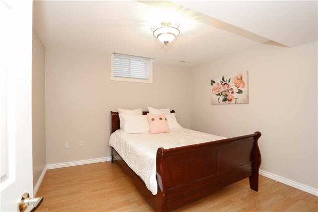 Detached at 10 Mcintyre Dr, Barrie, Ontario. Image 7