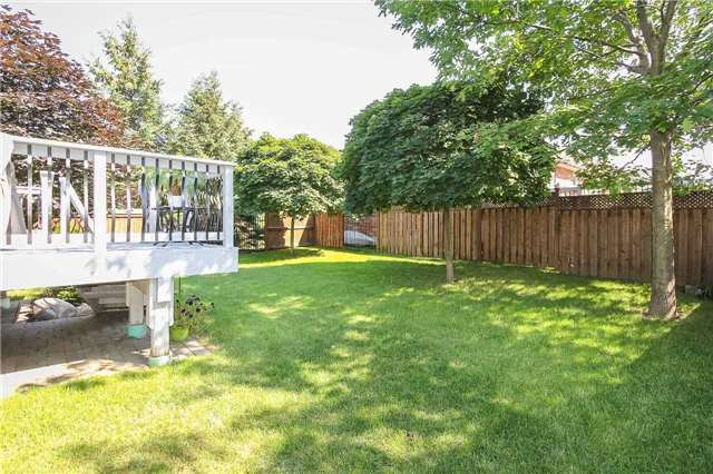 Detached at 3 Capps Dr, Barrie, Ontario. Image 11