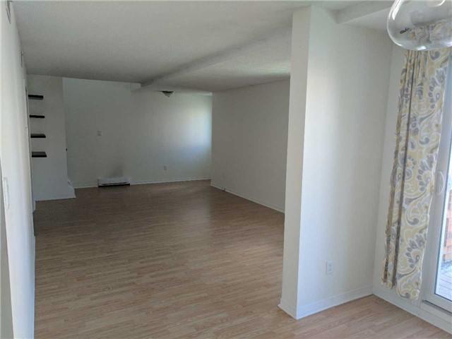 Condo Apartment at 500 Essa Rd, Unit 4, Barrie, Ontario. Image 4