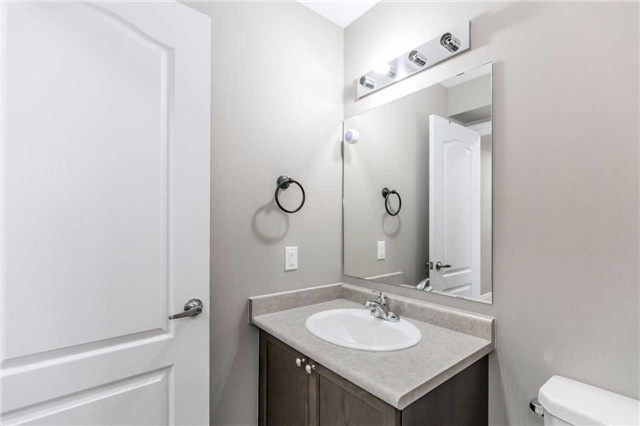 Condo Townhouse at 49 Ferndale Dr S, Unit 9, Barrie, Ontario. Image 15