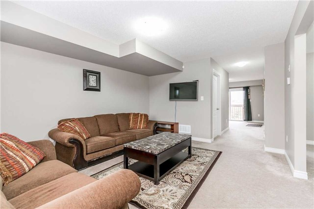 Condo Townhouse at 49 Ferndale Dr S, Unit 9, Barrie, Ontario. Image 17