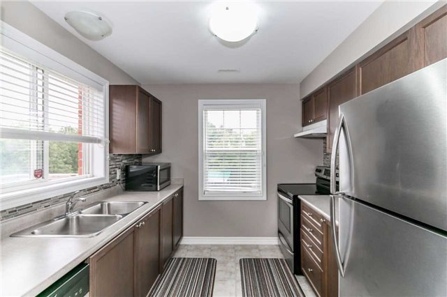 Condo Townhouse at 49 Ferndale Dr S, Unit 9, Barrie, Ontario. Image 19