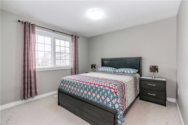 Condo Townhouse at 49 Ferndale Dr S, Unit 9, Barrie, Ontario. Image 5