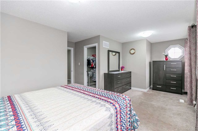 Condo Townhouse at 49 Ferndale Dr S, Unit 9, Barrie, Ontario. Image 6