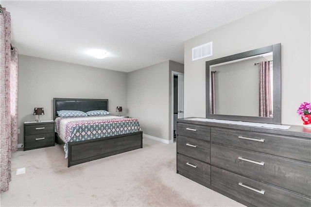 Condo Townhouse at 49 Ferndale Dr S, Unit 9, Barrie, Ontario. Image 7