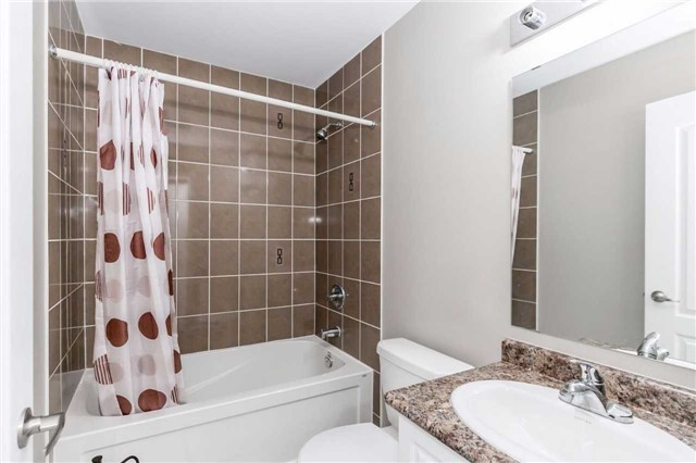 Condo Townhouse at 49 Ferndale Dr S, Unit 9, Barrie, Ontario. Image 8