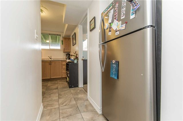 Detached at 3 Sheila Way, Barrie, Ontario. Image 16