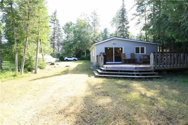 Cottage at 5 Difelices Lane, Springwater, Ontario. Image 11