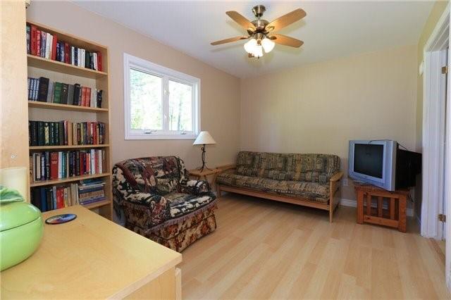Cottage at 5 Difelices Lane, Springwater, Ontario. Image 6