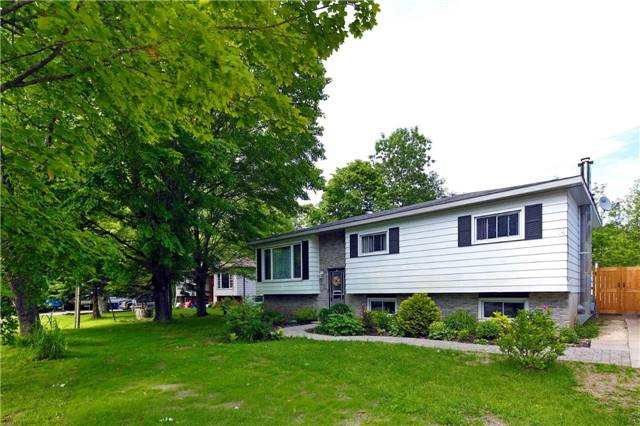 Detached at 9 Innisfree Dr, Springwater, Ontario. Image 1