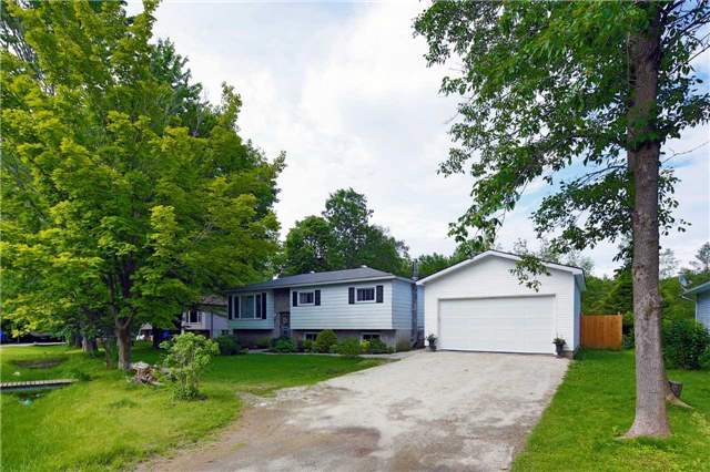 Detached at 9 Innisfree Dr, Springwater, Ontario. Image 12
