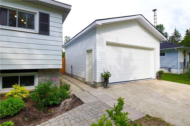 Detached at 9 Innisfree Dr, Springwater, Ontario. Image 14