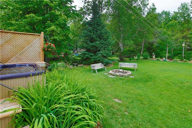 Detached at 9 Innisfree Dr, Springwater, Ontario. Image 11