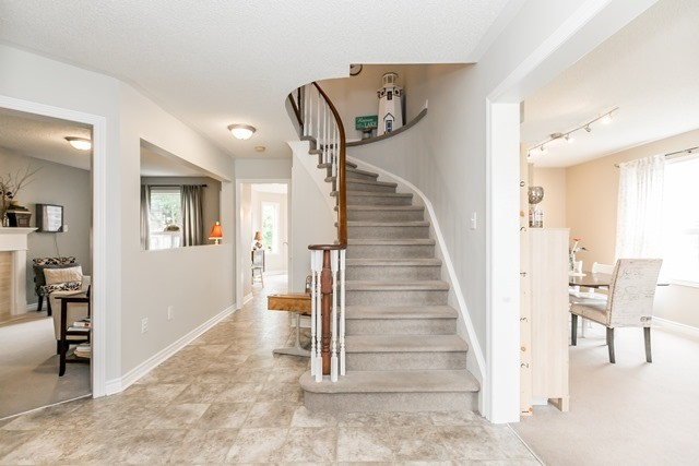 Detached at 129 Northview Cres, Barrie, Ontario. Image 12