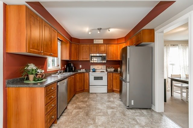 Detached at 129 Northview Cres, Barrie, Ontario. Image 16
