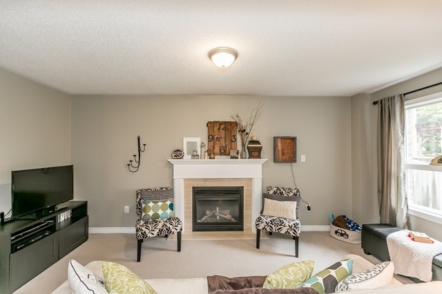 Detached at 129 Northview Cres, Barrie, Ontario. Image 2