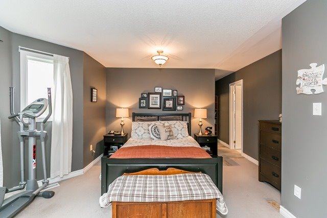 Detached at 129 Northview Cres, Barrie, Ontario. Image 4