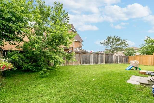 Detached at 129 Northview Cres, Barrie, Ontario. Image 11