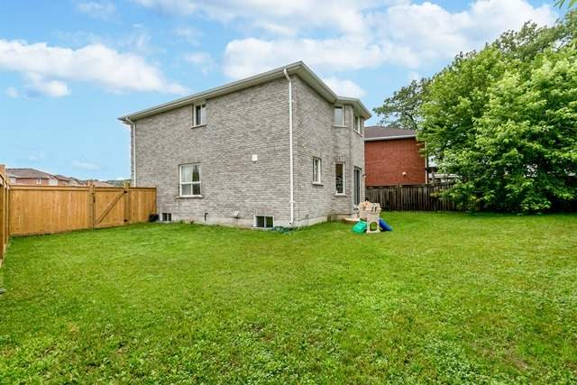 Detached at 129 Northview Cres, Barrie, Ontario. Image 13