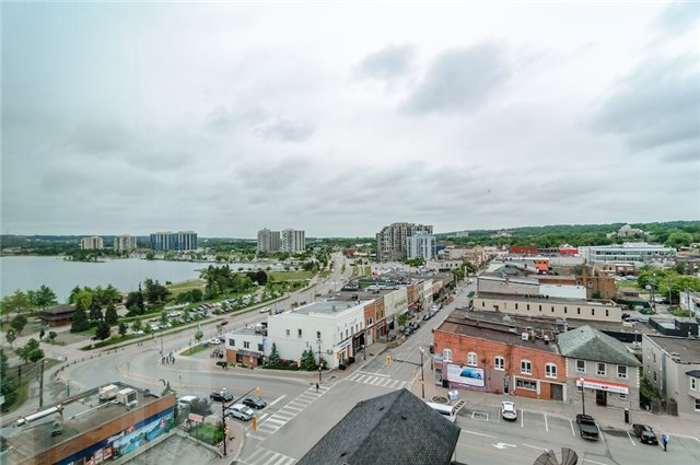 Condo Apartment at 140 Dunlop St, Unit 905, Barrie, Ontario. Image 11