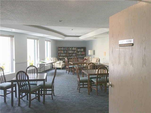Condo Apartment at 140 Dunlop St, Unit 905, Barrie, Ontario. Image 12