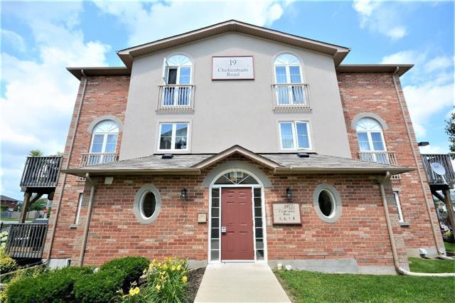 Condo Apartment at 19 Cheltenham Rd, Unit 8, Barrie, Ontario. Image 1