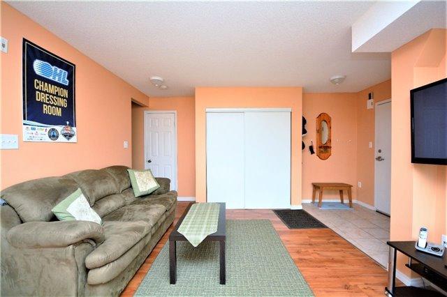 Condo Apartment at 19 Cheltenham Rd, Unit 8, Barrie, Ontario. Image 17
