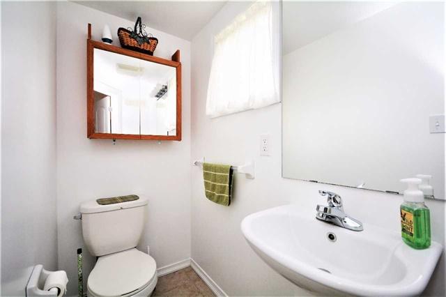 Condo Apartment at 19 Cheltenham Rd, Unit 8, Barrie, Ontario. Image 3