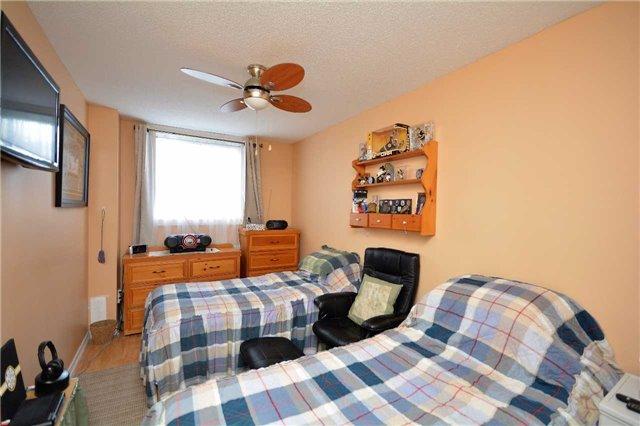 Condo Apartment at 19 Cheltenham Rd, Unit 8, Barrie, Ontario. Image 5